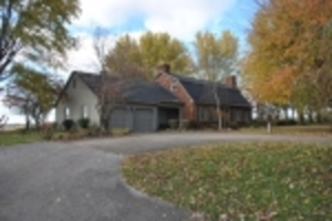 Absolute Online Auction Approx 1 2/3 Acre Lot w/Brick House