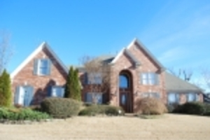 Beautiful 5 Bedroom Home off N. Houston Levee Rd.
