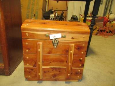 SMALL CEDER CHEST