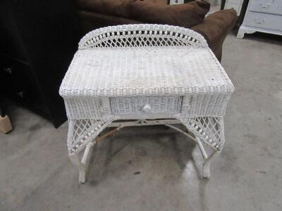 SMALL WICKER SIDE TABLE WITH DRAWER