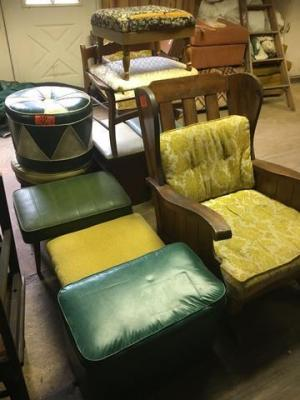 Miscellaneous foot rests and 1 chair