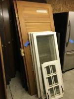 Lot of miscellaneous doors and windows