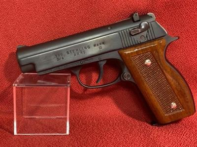 STERLING ARMS Mark II .380 Pistol Double Action 2.5' Barrel - 1 Mag