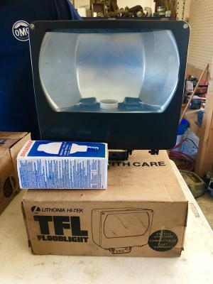 Lithonia Commercial Flood Light 120V W/2 bulbs 275W