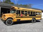 1998 international 3800 4x2 handicap school bus -vin #1hvbbabl9wh530200 have title