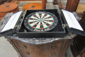 DART BOARD - IN WOOD CASE