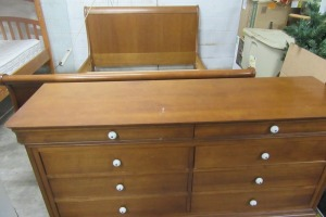 QUEEN SIZE - SLEIGH BED - WITH MATCHING DRESSER