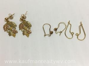 14 K gold earrings and wires, 3 g