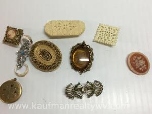 Mixed lot of pins and brooches