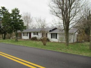 806 FALL LICK RD., LANCASTER, KY