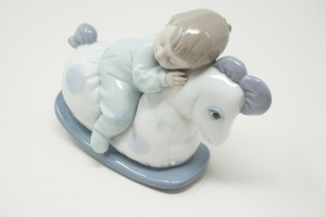 NAO / LLADRO HANDMADE PORCELAIN FIGURINE, MADE IN SPAIN