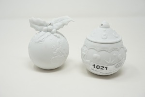 PAIR OF NAO / LLADRO HANDMADE BISQUE PORCELAIN ORNAMENTS, MADE IN SPAIN