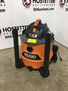 Ridgid shop vac - new - all parts are in vac - NXT