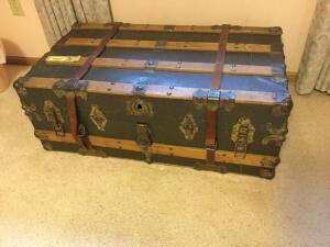 Very nice vintage trunk with leather handles and straps, metal hinges. Measures 36 x 20 x 14. Also includes removable tray
