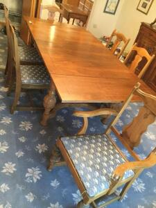 Walnut table with 2 extendable leaves and 6 padded chairs. Also comes w/ table pads. Table measures 62 x 40 without the leaves pulled out. Table looks very good still but will need some minor repairs on joints as well as the chairs Leaves measure 16 inch