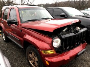 RED 2005 JEEP LIBERTY