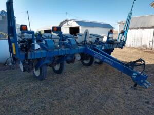 2004 Kinze 3000 6-30 Planter SN 643457 Meters and KM3000 Monitor