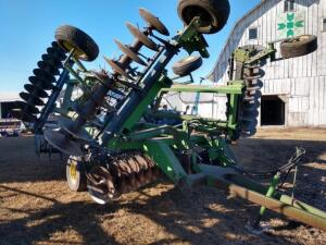 JD 630 Disc, 22ft , Rigid Double Fold Center Tandem 21in Blades on 9in Spacing