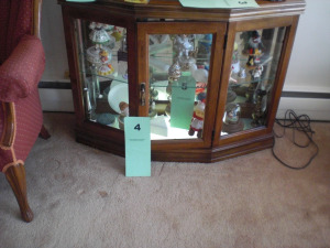 MAHOGANY FINISH FLOOR CURIO CABINET WITH MIRROR BACK, GLASS SHELVES, LIGHTED