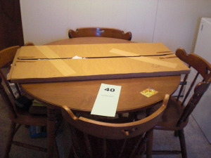 5 PC MAPLE TABLE AND CHAIRS W/ LEAF