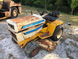 IH Cub Cadet 1000 Riding Mower - Does not Run
