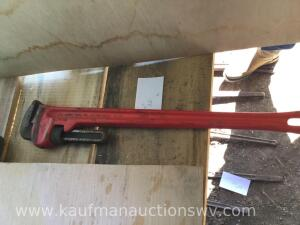 36 inch red ridge pipe wrench