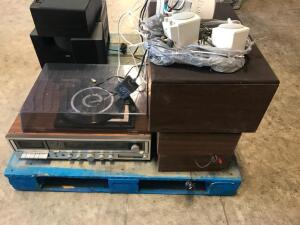 Stereo System with Speakers, Turntable