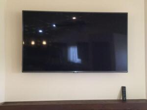 "LG 55"" Model VVLF6090 flat screen TV 2016 date of manufacture  **Wall mount not included**"