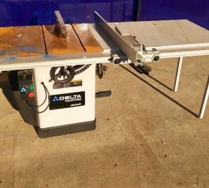 Delta Model 36-953 Table Saw