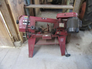 BAND SAW ON STAND