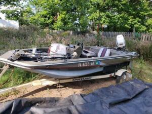 1994 bass boat with motor - located 106 royal court Glenshaw pa.14.5 ft. smokecraft bass boat - 48 hp spl Johnson motor - Easy flip down trolling motor with foot control -,Back and forward swivel seats - 2 inboard seats - Built in live well , cooler and r
