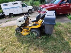 cub cadet LT1042 riding mower - crack in engine - needs to be removed - located 106 royal court Glenshaw pa