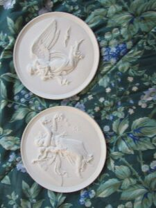 2 Angels on pottery placks