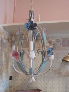 Ornate iron floral hanging lamp