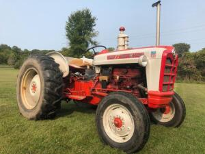 Ford 801 Select-O-Speed Tractor, Diesel, quick hitch with dual hydraulic controls, 2,213 hours