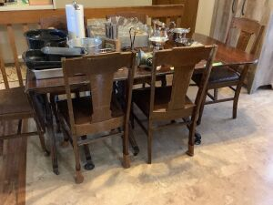 "Square Brand table with two 14"" removable leaves and six matching chairs. Table also has two 15"" drop leaves and the original table pads. Measures 82""L x 40""W x 29""H with all leaves. Great for the upcoming holidays!!"