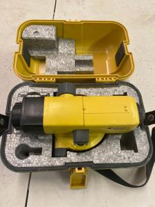 Topcon RX 9662 builders level with case