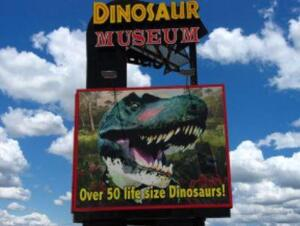 Branson Package - Veterans Memorial and Dinosaur Museums