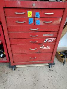 9 drawer warerloo tool chest. Contents not included.
