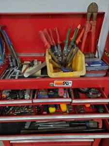Six drawers of tools as pictured. Contents only no drawers