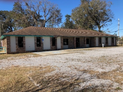 5,892 Sq Ft. Commercial Building on a 1 Acre Lot