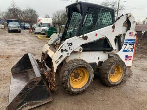 Bobcat 773 Skid loader with bucket