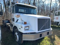 2000 Volvo Roll Off Truck UPDATED!! - 3