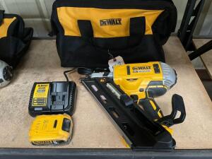 DeWalt 20v Brushless 30 degree Cordless Paper Type Framing Nailer, DCN692, includes Battery, Charger and Bag, inv #c5391