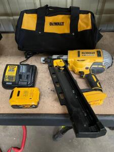 DeWalt 20v Brushless 21 degree Cordless Plastic Collated Framing Nailer, DCN21PL, includes Battery, Charger and Bag, inv #c5444