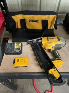 DeWalt 20v Brushless 21 degree Cordless Plastic Collated Framing Nailer, DCN21PL, includes Battery, Charger and Bag, inv #c5370