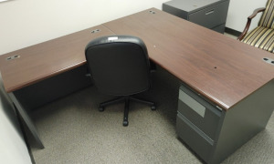 """L"" Shaped Metal Desk With Wood Top & Rolling Office Chair"