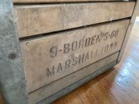 Borden's dairy crate with wire bottom marked 9-Borden's-60 Marshalltown and Los Reyes Oranges fruit box - 2
