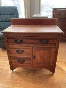 Commode - measures 30 x 15 x 28