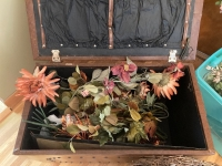 Vintage 26x14x18 trunk and many artificial florals - 3